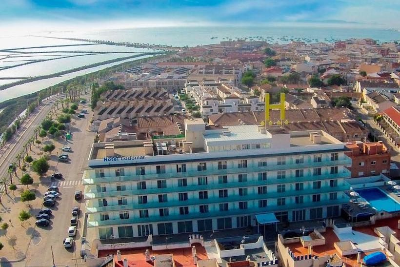 Holtel Lodomar edificio vista aerea.jpg