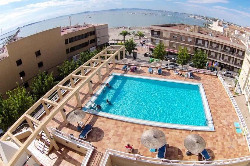 Agua salinas piscina.jpg