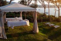 Hotel Alabriga zona masajes jardin.jpg